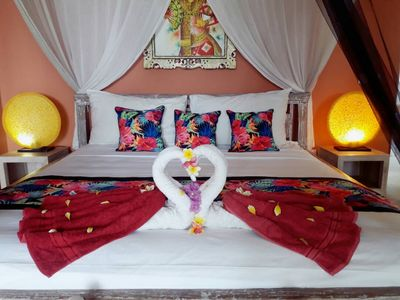 our king size beds with high quality maftress, cotton bed linen and mosquito net