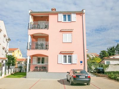 Photo for Nice decorated one bedroom apartment with terrace 4 km from the sea