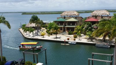 Caribbean paradise with boating, kayaking, paddleboarding at your fingertips