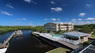 Photo for New Waterfront Townhouse  Beautiful - Pool - Marina - Florida Escape