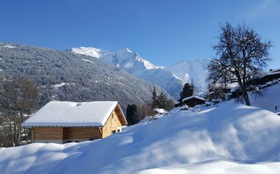 Photo for Chalet facing Mont Blanc, 3min away from ski lifts