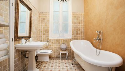 Photo for BCN Rambla Catalunya - Elegant, classic and spacious apartment with 2 bedrooms and two bathrooms. Master bedroom with ensuite bathroom and bathtub. 70m2. Balcony with views of Rambla de Catalunya. Excellent location