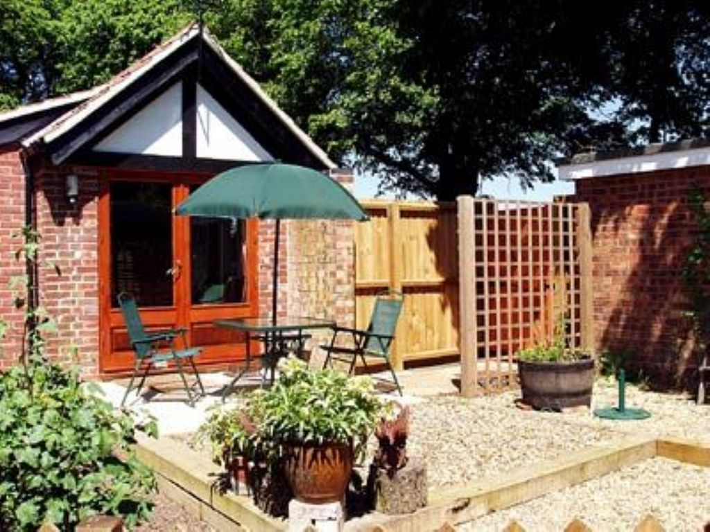 Pippins 2 Bedroom Property In Wroxham Pet Friendly