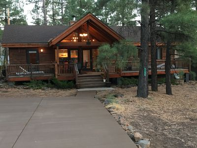Exquisite Home In The Pines!