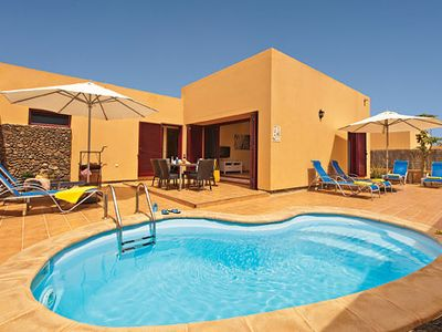 Photo for Single storey villa within a short drive of the town with private pool, free Wi-Fi & BBQ