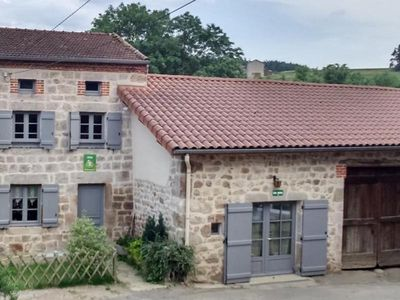 Photo for Gite PERIGNEUX, 3 bedrooms, 6 persons