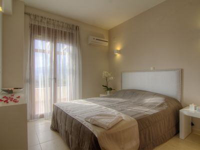 Photo for Bungalow Ilectra, one floor bungalow with private pool and garden.