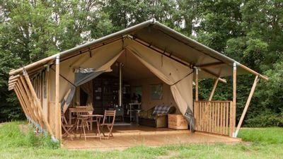 Photo for Glamping tent set in 200 acres of Hampshire countryside, Gambledown Farm