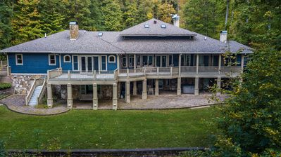 Amazing lakefront home with high-end amenities only 1 mile from Wisp!