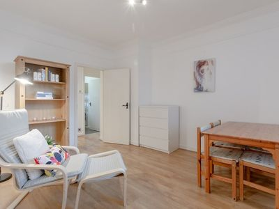 Photo for 2 Bedroom Apartment in Wapping
