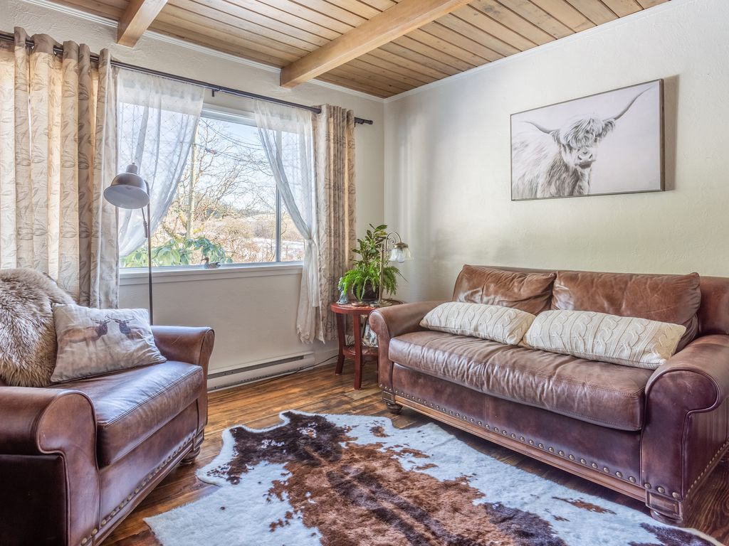 Get Off The Beaten Track At Our Super Cozy Cottage Victoria