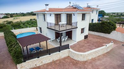 Photo for Luxury detached Villa with Private swimming Pool / Free WiFi / Welcome Hamper