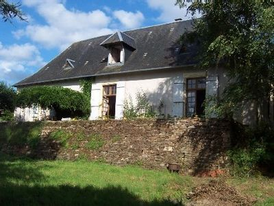 Photo for Périgord-Limousin, beautiful village house in a garden at the foot of the castle