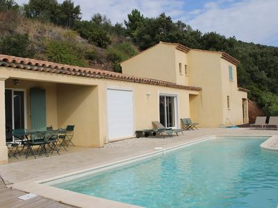 Photo for Villa 8 people with pool and sea view.