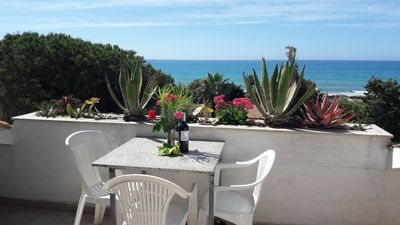 Photo for Quiet apartment by the sea with fantastic sea view