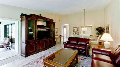 Photo for Close to Beach; Shopping and Dining; Pools and Tennis Court; Free Wifi
