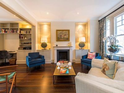 Photo for Sophisticated 4 Bed House Beside Battersea Park
