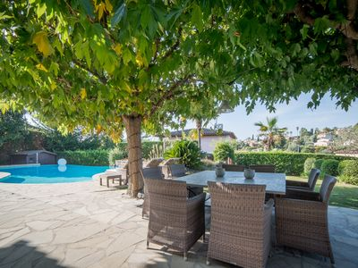 Photo for Beautiful villa just minutes from the village of Mougins