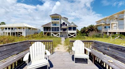 """Photo for Glory in the morning from this Beachfront Plantation home! Pets, Screen Porch, Elevator, Fireplace, 4BR/4.5BA """"Morning Glory"""""""