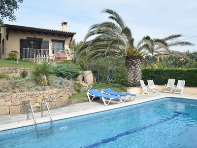 Photo for Cozy holiday home with nice terrace and fenced private pool, near Platja d'Aro