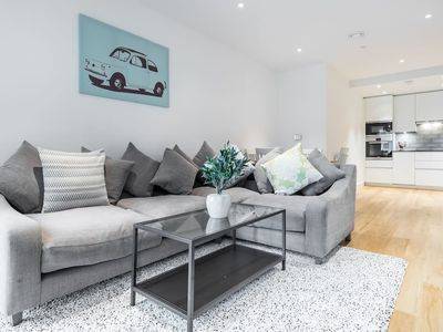 Photo for Trendy 2 Bed 2 Bath in East London