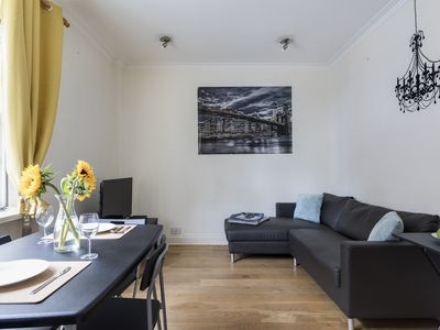 Photo for Bright 3BR Flat in the Very Centre of London