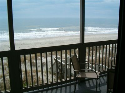 Photo for Vacation at a Cozy Oceanfront Beach Getaway