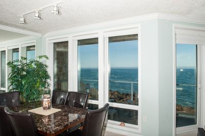 Oceanfront Views While Dining