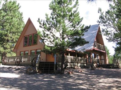 Photo for Large 3BR/2.5BA Chalet / GREAT RATES/  2 KINGS / 4 QUEENS! *Less people>LESS $*