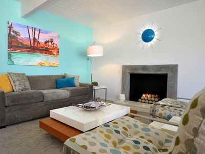 Photo for Mid Century Modern Bungalow With Fireplace - sleeps 2 adults/2 children/12 under