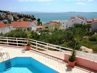 Photo for 78sqm apt with pool, great sea view from balcony, 250m to beach, 4km to Trogir