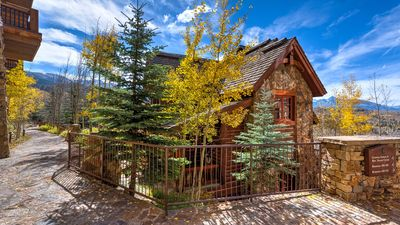 See Forever Cabin 109: 3 BR / 3.5 BA private home in Mountain Village, Sleeps 8