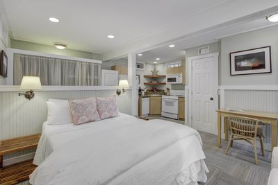 Fine Adorable Carriage House For 2 227D Downtown Charleston Download Free Architecture Designs Itiscsunscenecom