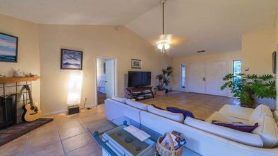 """cozy light and spacious living areas with 70"""" tv/huluplus,showtime,netflix"""