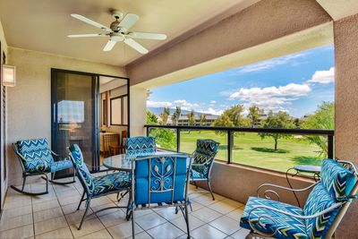 Covered lanai - perfect spot for morning coffee!