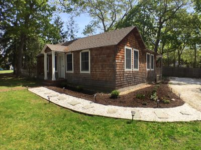 Photo for Charming 2 Bed, 1.5 Bath Cottage