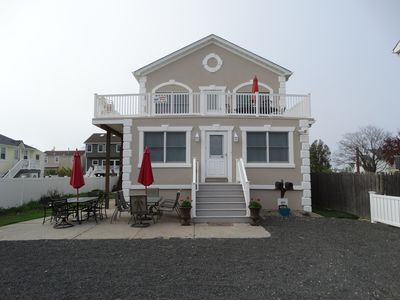 Photo for Perfect Beach Getaway! Spacious! 2 Car Parking, WIFI, 6 beach badges, Sleeps 8+