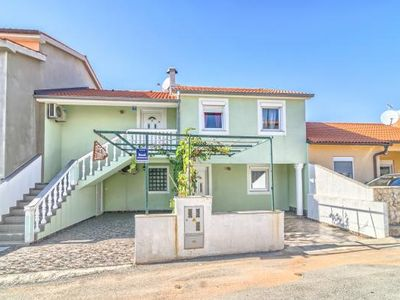Photo for Holiday house Medulin for 8 persons with 4 bedrooms - Detached holiday house