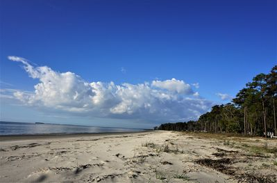 just a few minutes from beautiful Melrose Beach
