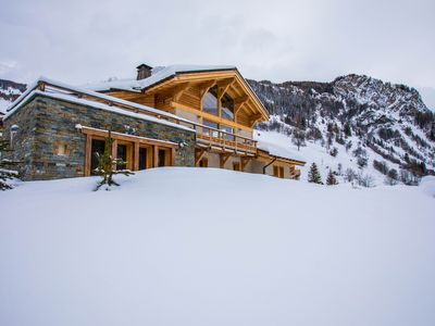 Photo for Boutique catered ski chalet with hot tub and sauna