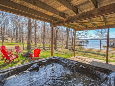 Photo for Hot-tub, Flat lot, sand beach, dog allowed,fireplace, firepit,  fenced in yard, paddleboard !