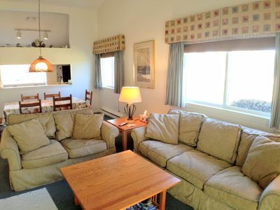 Photo for Patio Style, End Unit, Central A/C, 4 Pool Passes (Fees Apply) - AL0648