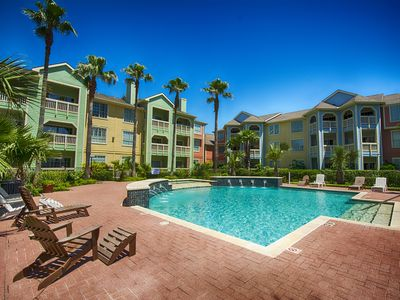 Peaceful, Tropical Beach Condo on Seawall Blvd, Galveston, Tx.
