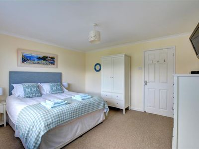 Photo for Vacation home Shore-Leas in Newquay - 6 persons, 3 bedrooms
