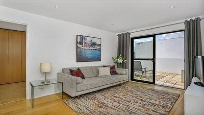 Photo for 1BR Apartment Vacation Rental in Crows Nest, NSW