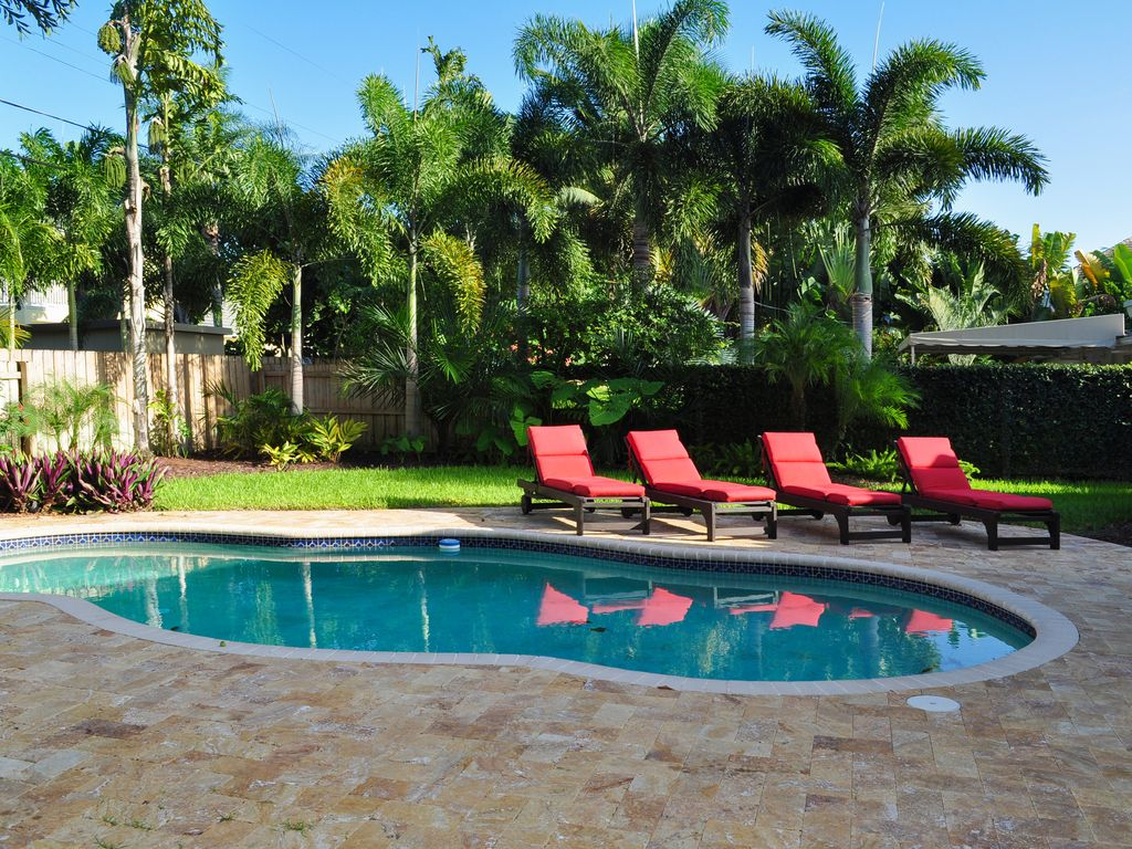 tropical oasis with heated pool in amazing vrbo