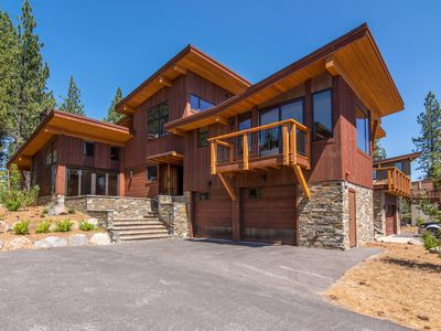 Photo for Luxury Mountain Home in Schaffer's Mill