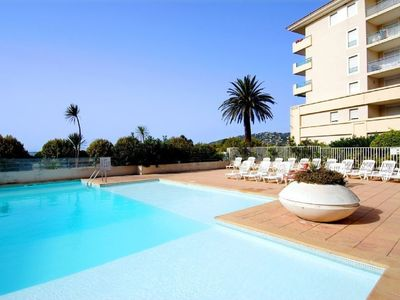 Photo for Apartment in holiday resort with pool just 100m from the beaches in Juan-les-Pins