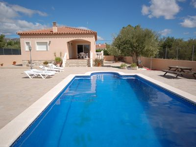 Photo for Comfortable modern villa for 8 people, private pool, 4 km from the beach