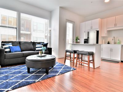 Photo for ★★BrandNewCorporate 1Br WestVillage Uptown/Parking By G A Living Suites